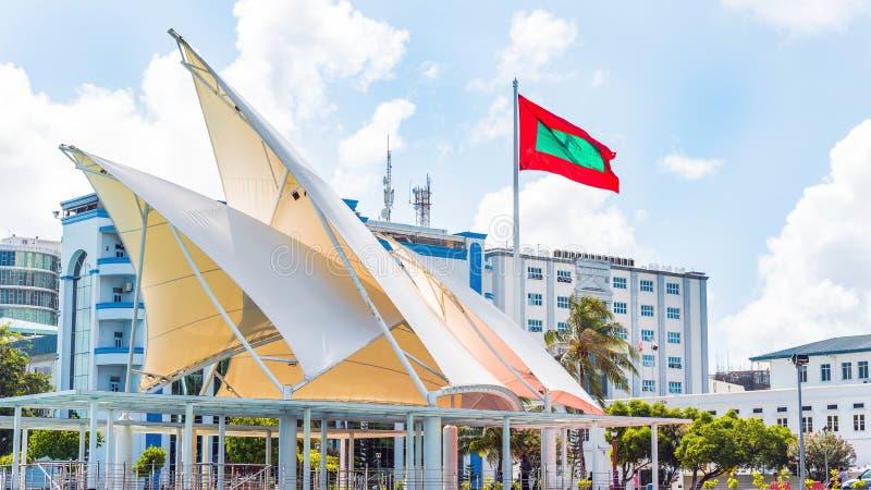 Drapeau de la république des Maldives, mâle, Maldives Copiez l'espace pour photos stock