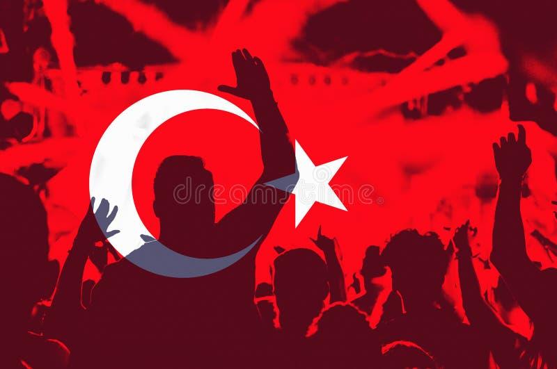 Drapeau de la Turquie, foule des personnes image libre de droits