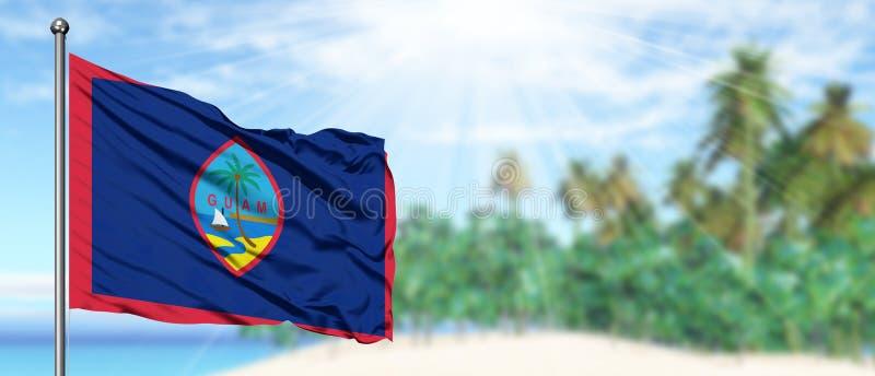 Drapeau de ondulation de la Guam dans le ciel bleu ensoleillé avec le fond de plage d'été Th?me de vacances, concept de vacances image stock