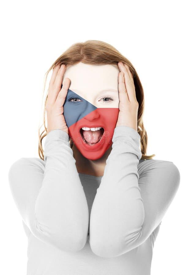 Drapeau de République Tchèque sur le visage de la femme photographie stock libre de droits