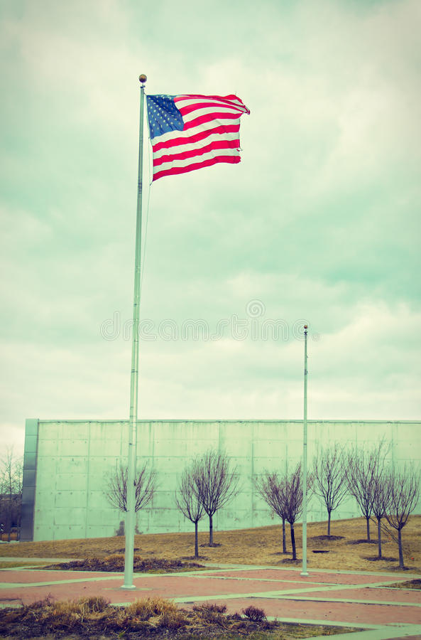 Drapeau des USA dans Liberty Park 9/11 mémorial - vintage photos libres de droits