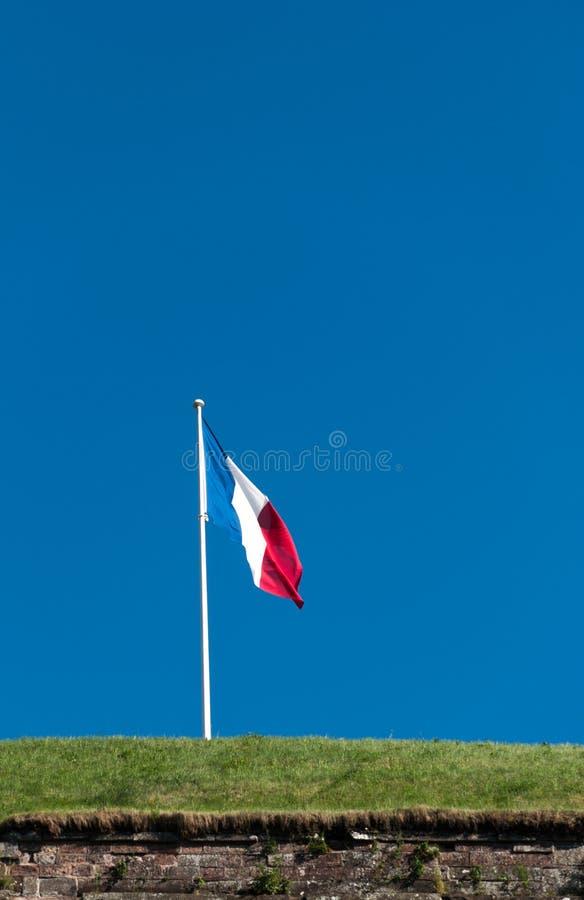 Drapeau français sur la forteresse photos libres de droits