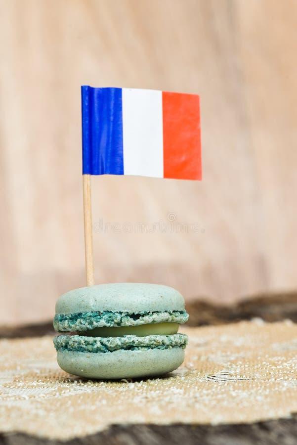 Drapeau français sur le macaron bleu photo libre de droits