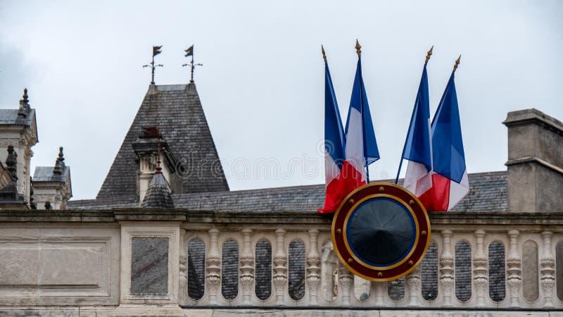 Drapeau français sur un bâtiment photographie stock libre de droits