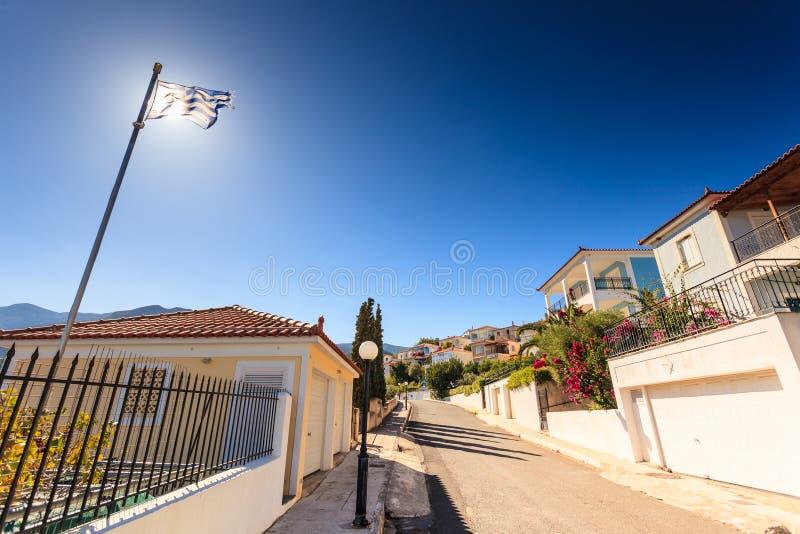 Drapeau grec bleu et blanc ondulant sur le vent photos libres de droits