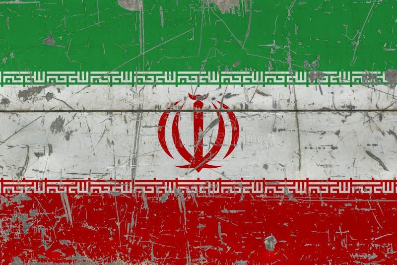 Drapeau grunge de l'Iran sur la vieille surface en bois rayée Fond national de cru illustration libre de droits