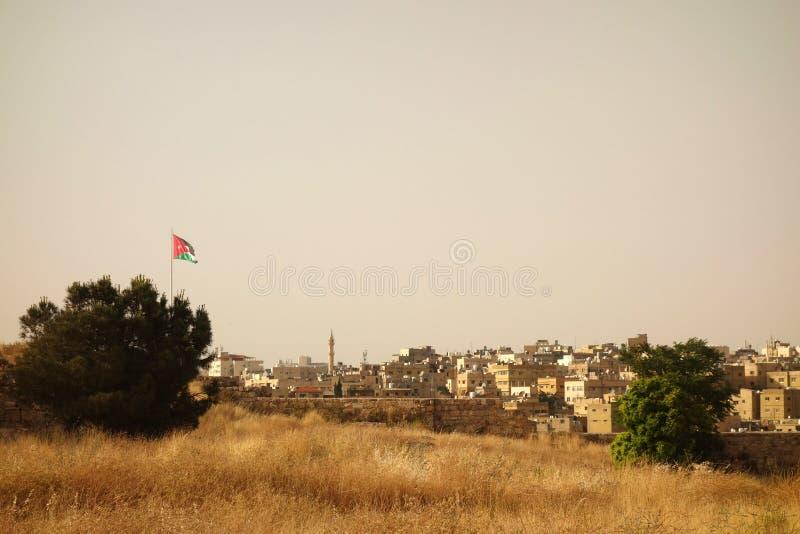 Drapeau jordanien de vieille ville d'Amman photographie stock