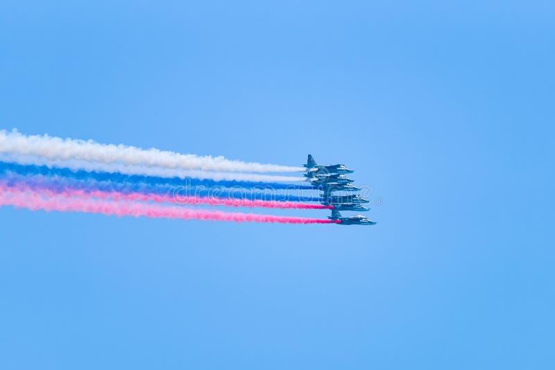 Drapeau russe de vol plat militaire d'avions photographie stock