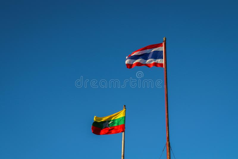 Drapeau Thaïlandais-birman images stock