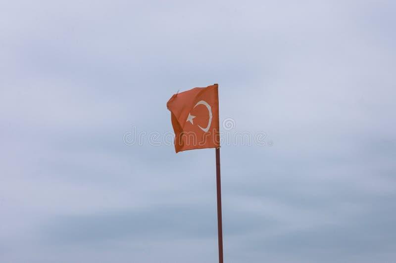 Drapeau tunisien à la plage marocaine photo libre de droits