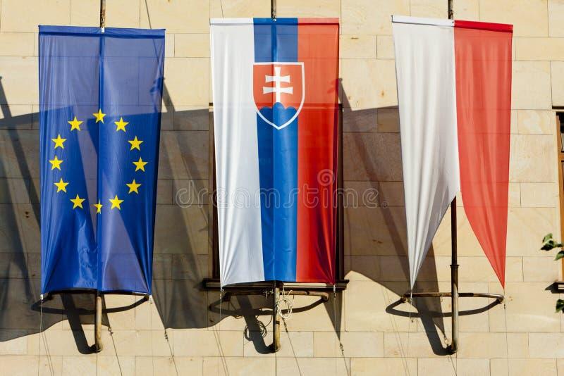 drapeaux à Bratislava, Slovaquie image libre de droits