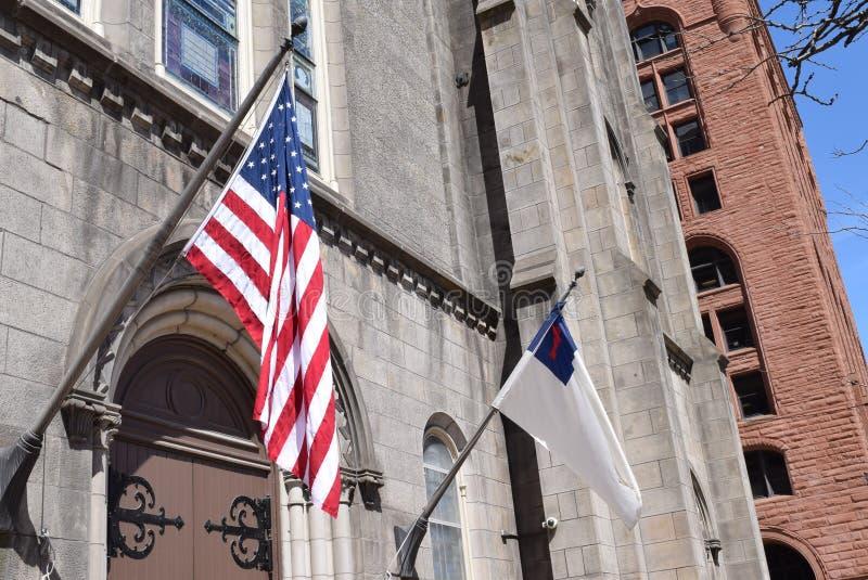 Drapeaux américains et chrétiens photographie stock