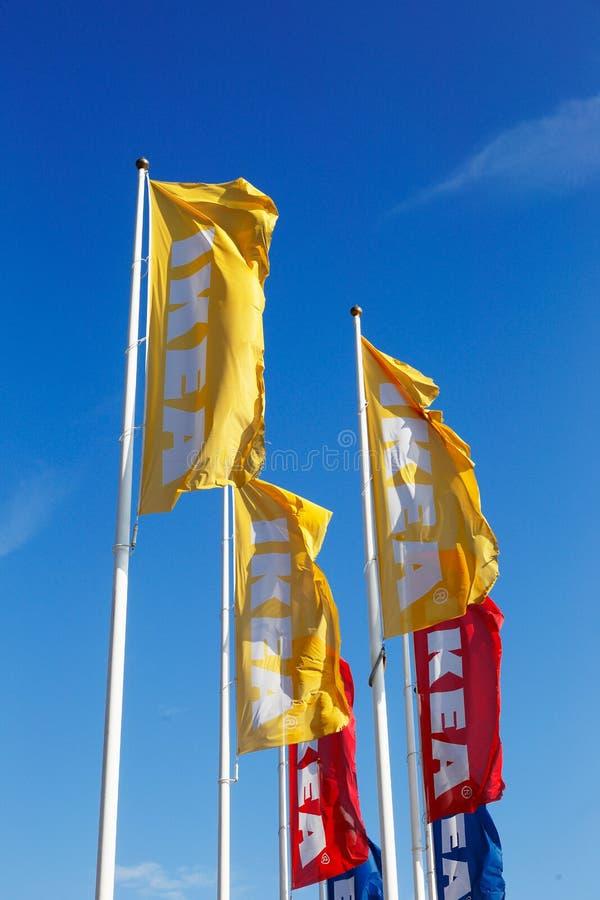 Drapeaux d'IKEA photo stock