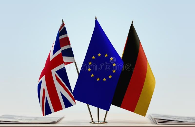 Drapeaux d'Union européenne et de l'Allemagne du Royaume-Uni images stock