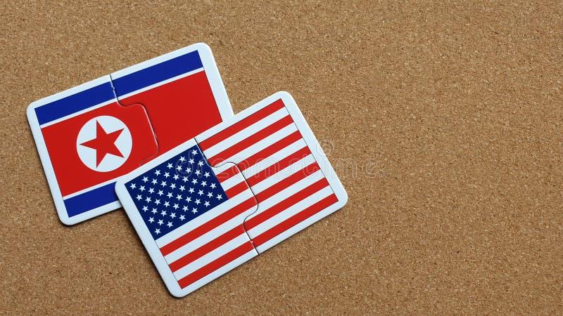 Drapeaux des Etats-Unis et de la Corée du Nord images stock