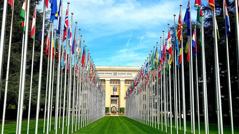 Drapeaux des Nations Unies à Genève, Suisse images libres de droits