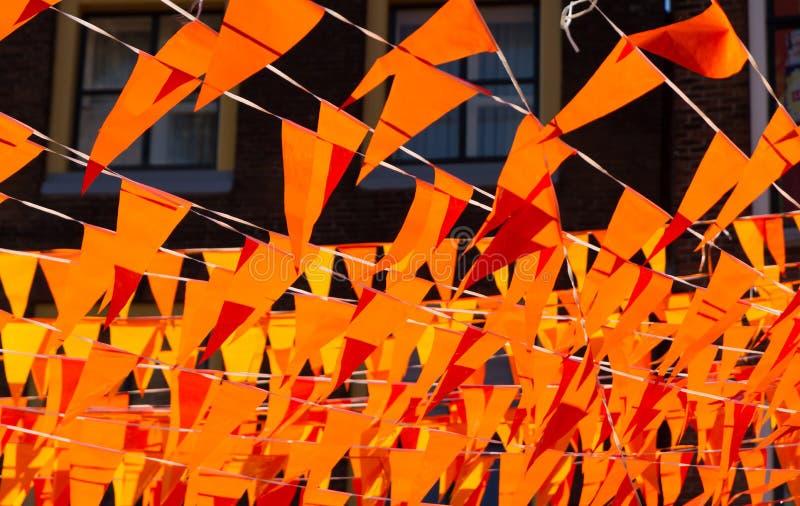 Drapeaux oranges pendant la coupe du monde photo libre de droits