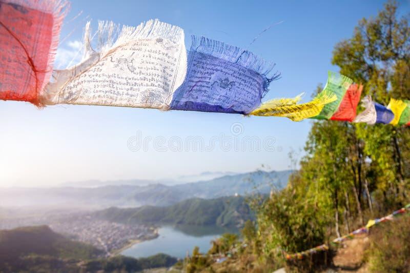 Drapeaux tibétains de prière images libres de droits