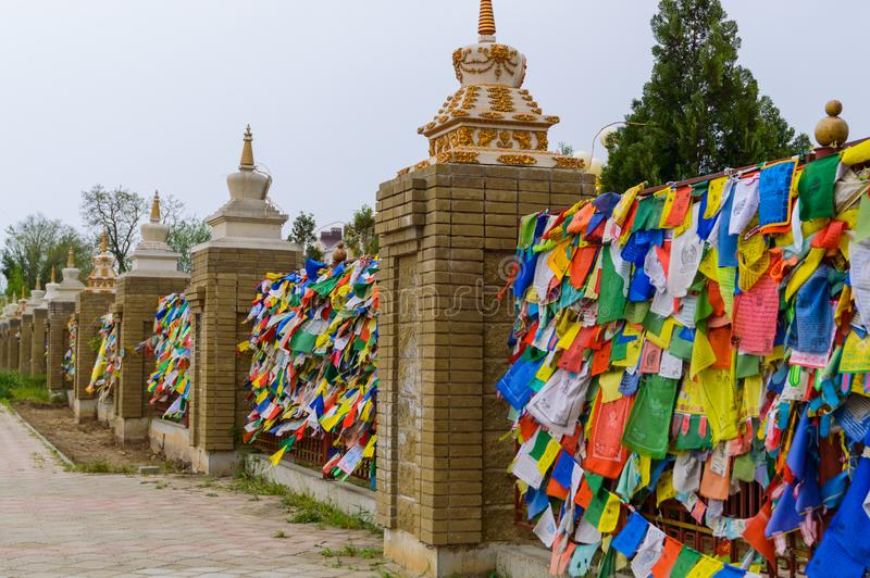 Drapeaux tibétains de prière Attribut bouddhiste de religion photos stock