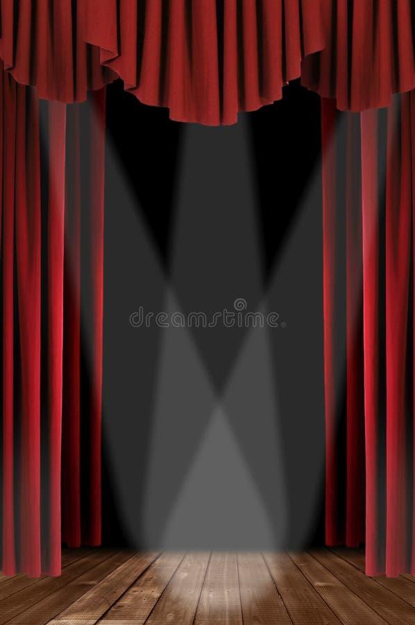 Drapierte Theater-Trennvorhänge Stockfoto