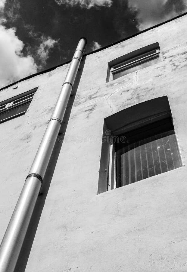 Drastische Ansicht einer alten Mühle jetzt benutzt als IT-Büroion London stockfotos
