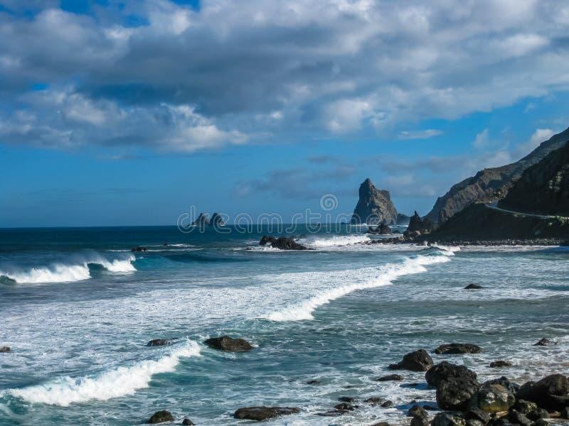 Drastische Ansicht von Benijo-Strand, Teneriffa lizenzfreies stockbild