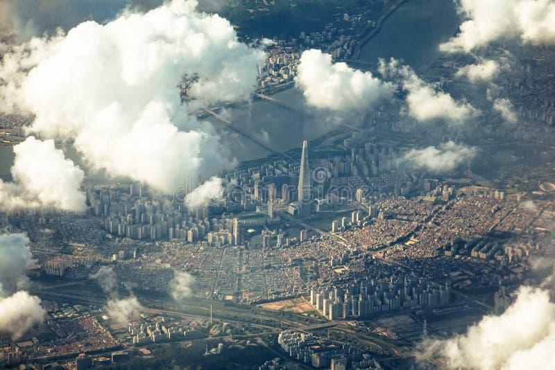 Drastische Ansicht von Songpa-Bezirk, Seoul vom Himmel stockfoto