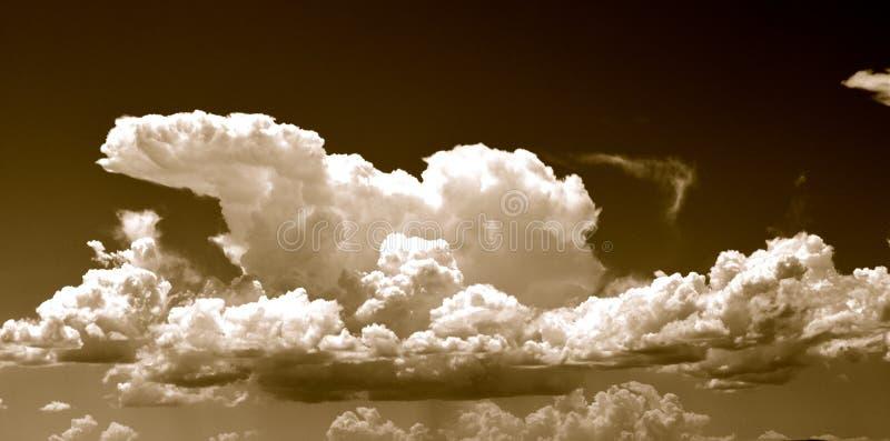 Drastische Himmel stockbild