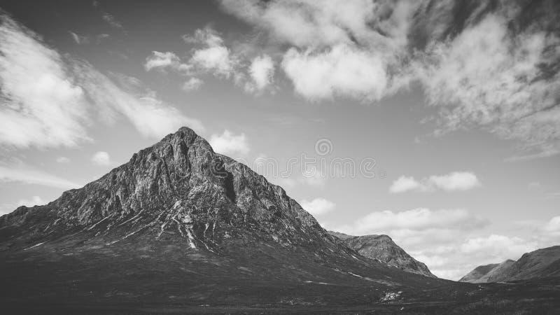 Drastische Landschaft gerade außerhalb des glencoe im schottischen highl lizenzfreie stockbilder