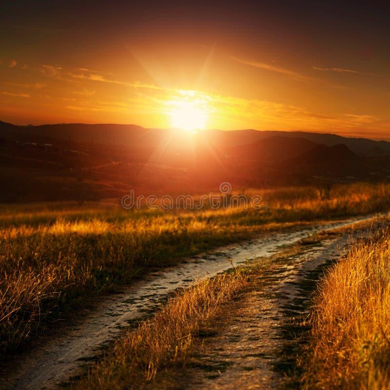 Drastischer Sonnenuntergang lizenzfreies stockbild