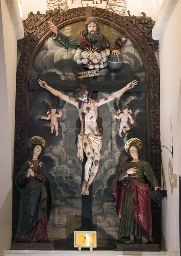Drastisches INRI innerhalb der Basilikadi Santa Caterina, Galatina, Italien stockfoto