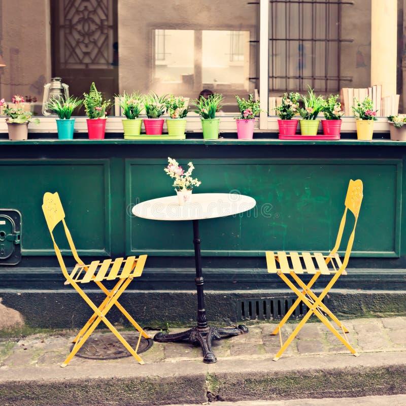 Draußen Café in Paris lizenzfreie stockbilder
