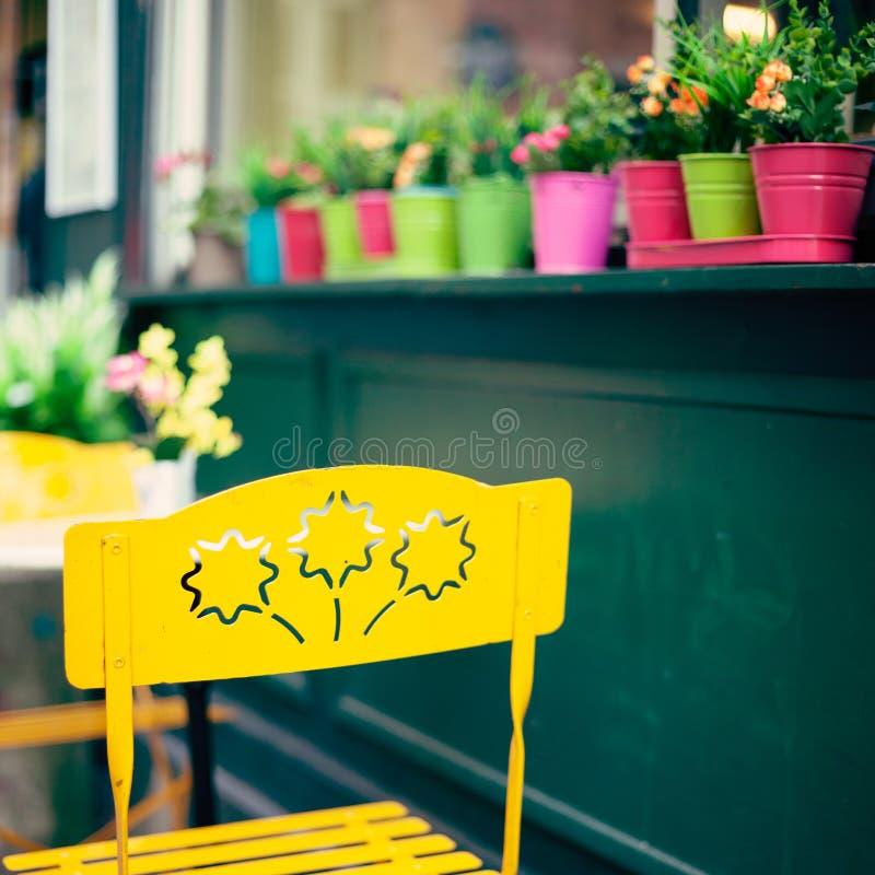 Draußen Café in Paris stockfotografie