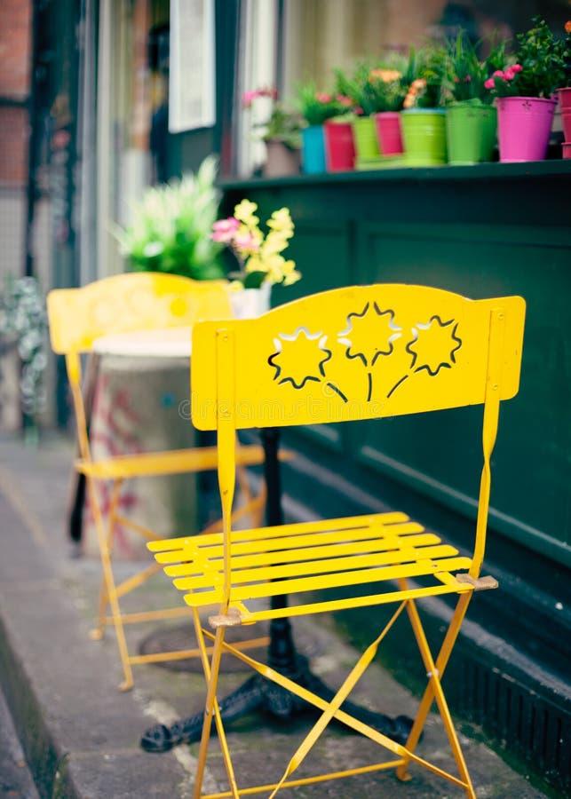 Draußen Café in Paris stockbilder