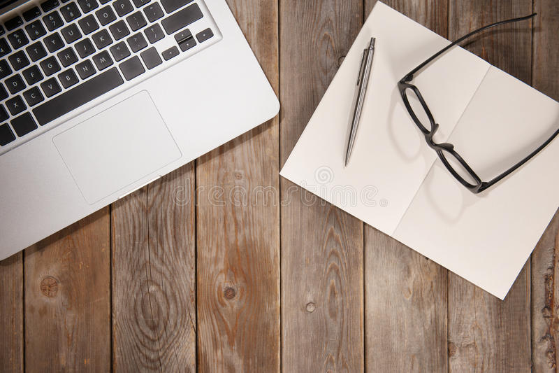 Draufsicht-Arbeits-Schreibtisch lizenzfreie stockfotos