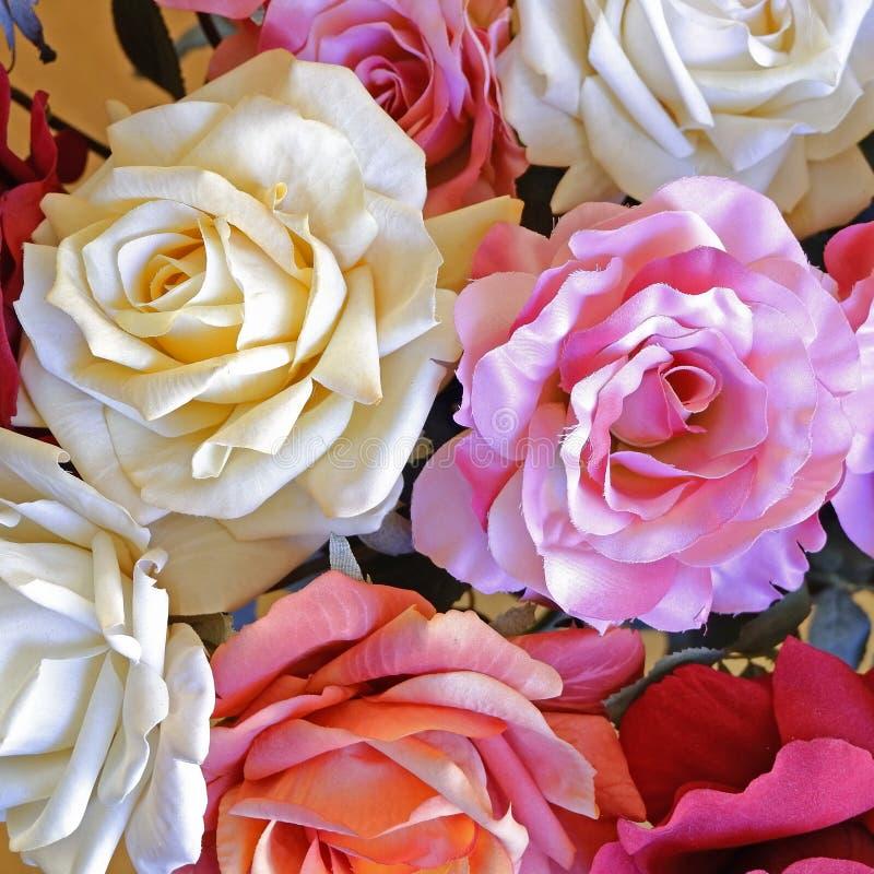 Draufsicht der bunten gef?lschten rosafarbenen Blumen stockfotos