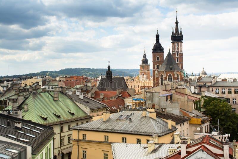 Draufsicht der Dachspitzen von altem Krakau stockbild