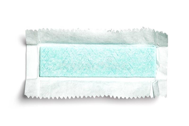 Draufsicht des ausgepackten Kaugummis auf weißem Hintergrund lizenzfreies stockfoto