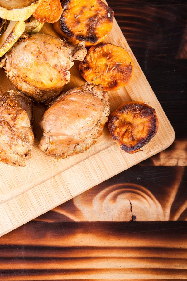 Draufsicht des gesunden und köstlichen Abendessens lizenzfreie stockfotos