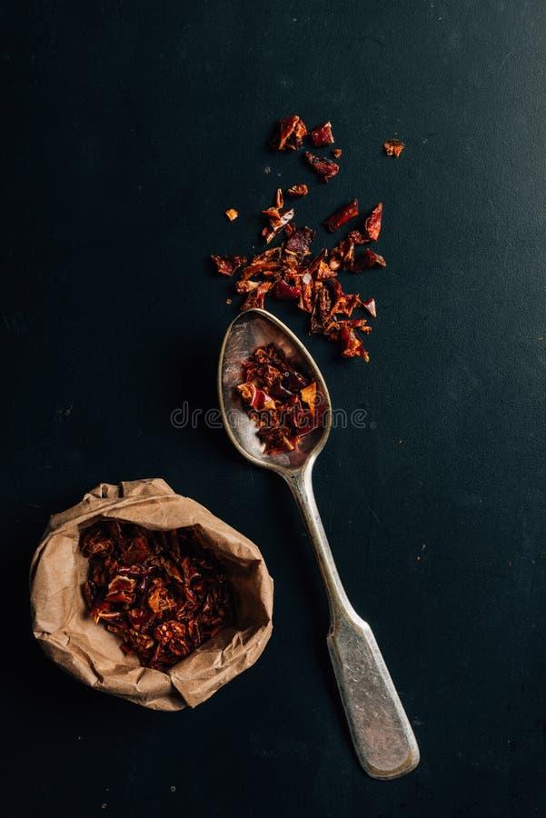 Draufsicht des getrockneten Pfeffers des roten Paprikas stockfotos