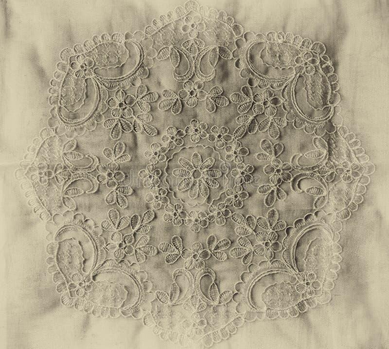 Draufsicht des handgemachten schönen Spitzegewebes der Weinlese Schwarzweiss-Artfoto lizenzfreie stockfotografie