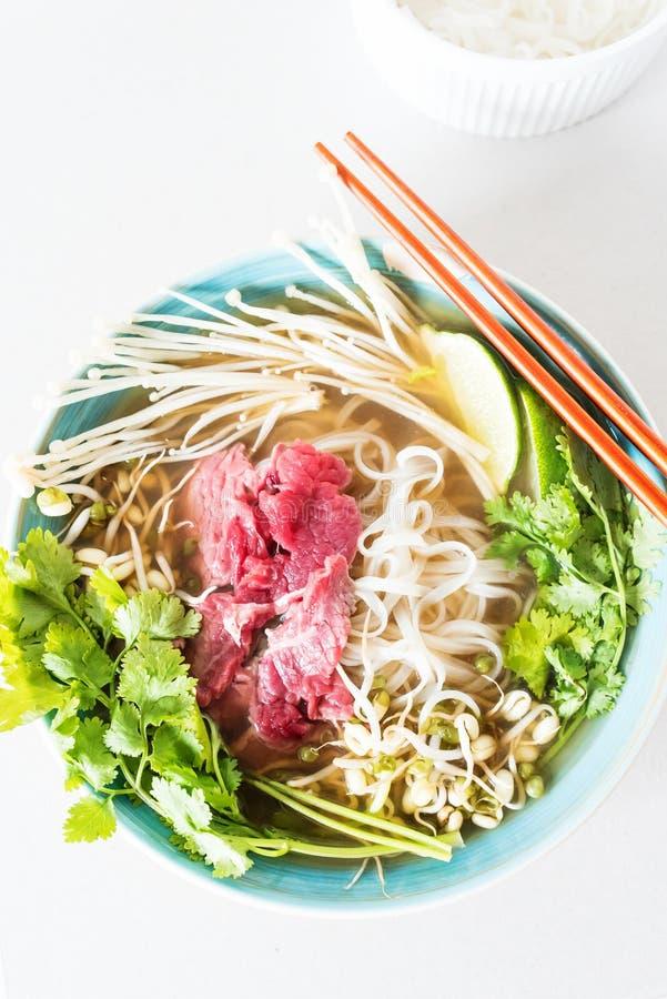 Draufsicht eines Bildes der heißen Suppe Pho BO lizenzfreie stockfotografie