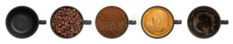 Draufsicht fünf Schalen verschiedene Stadien der Zubereitung des Cappuccinos lokalisiert auf weißem Hintergrund lizenzfreies stockfoto