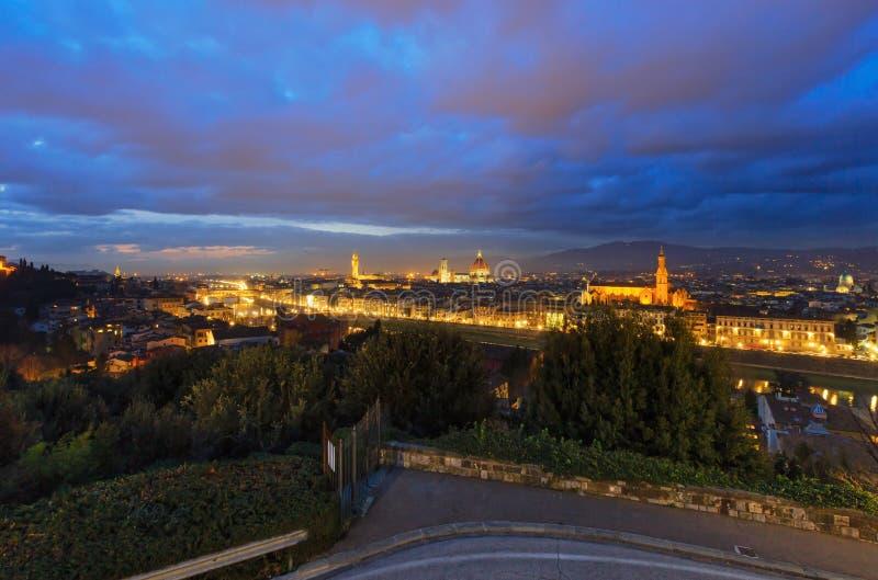 Draufsicht Nacht-Florenz (Italien) stockfotos