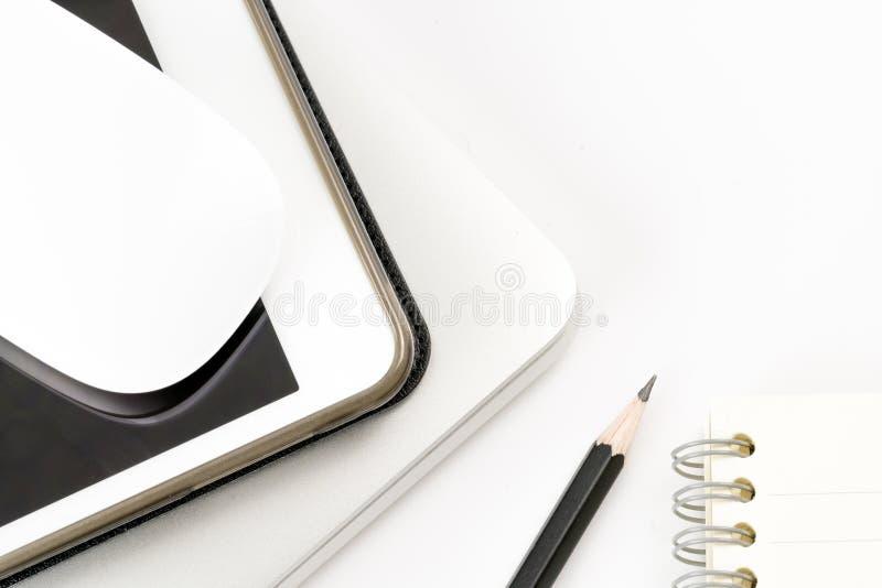 Draufsicht-Produktspott des Arbeitsplatzes oben Dekorationsbüromaus, nicht lizenzfreie stockfotografie