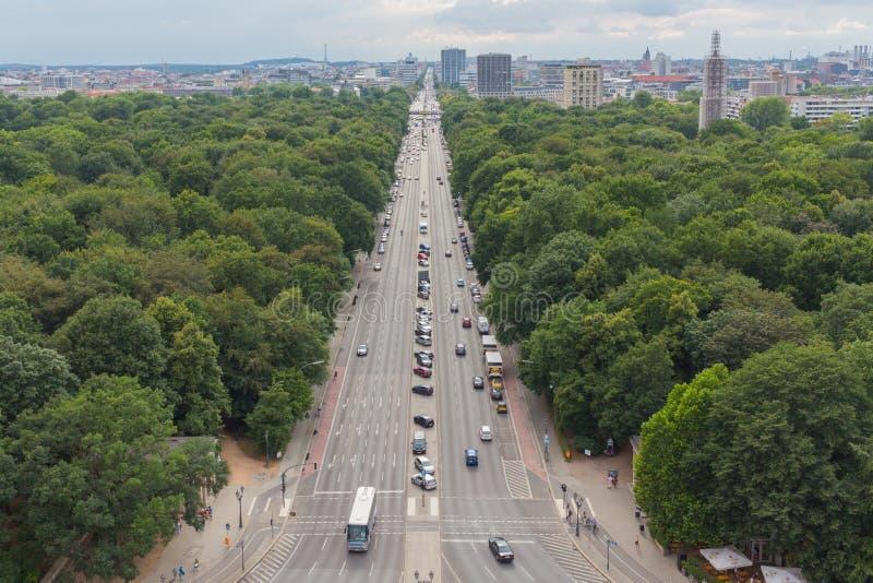 Draufsicht von Berlin-Stadtbild und Tiergarten parken, Deutschland stockfotos
