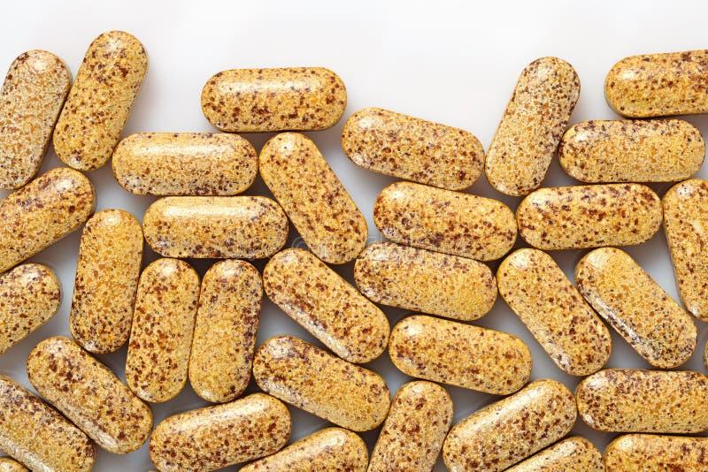 Draufsicht von Pillen auf einem Weiß stockbilder