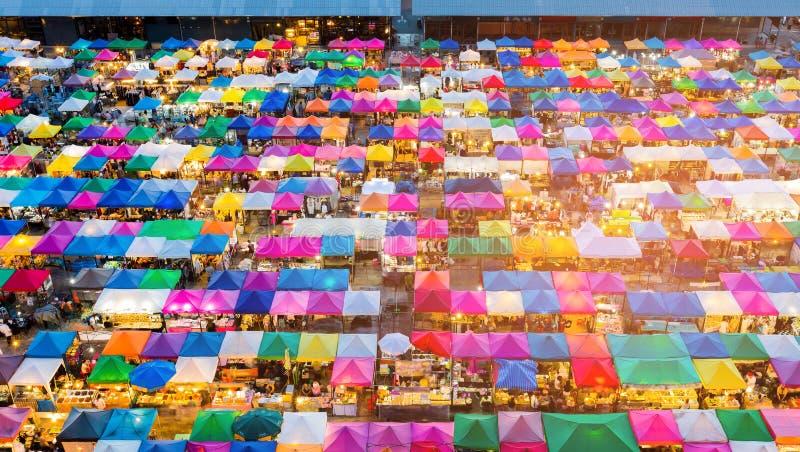 Draufsichtmehrfachverbindungsstelle färbt Flohmarkt stockbilder