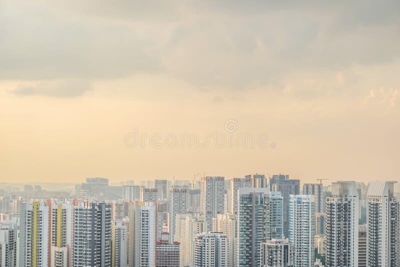 Draufsichtskylinegeschäftsgebäude und Finanzbezirk am Sonnenuntergangtag, hohe moderne Wolkenkratzer lizenzfreie stockfotos
