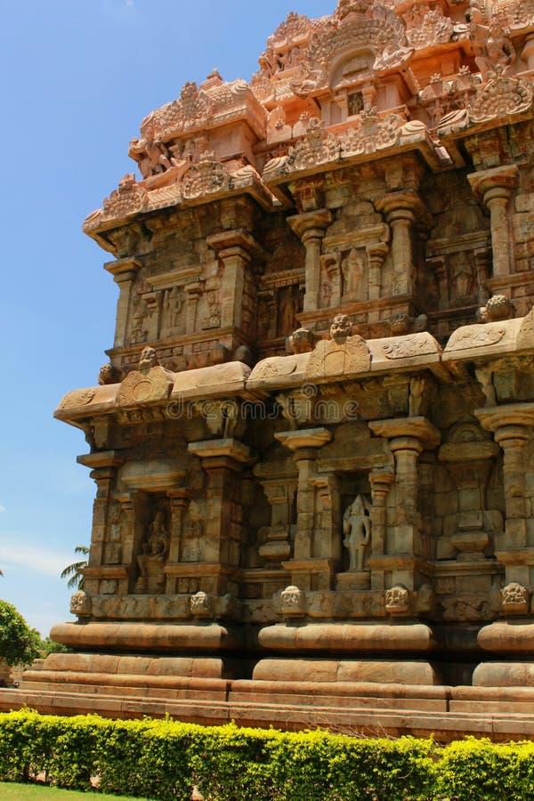 Dravidian a dénommé la tour principale avec des sculptures dans le temple de Brihadisvara dans Gangaikonda Cholapuram, Inde photographie stock